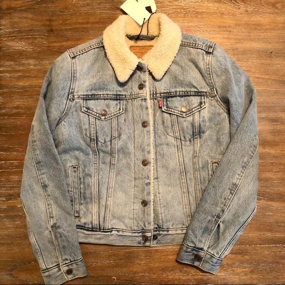 Levi's jean jacket with Sherpa - trucker jacket